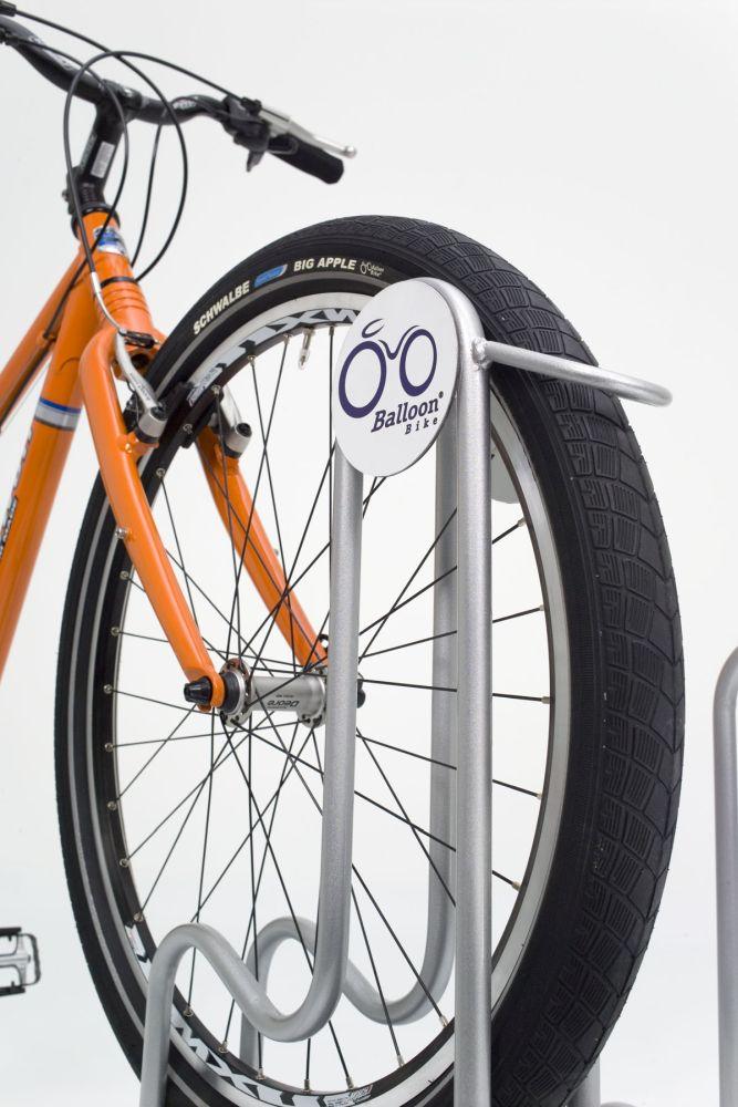 fahrradst nder 4000 br f r fahrr der mit breiten reifen amsdirekt. Black Bedroom Furniture Sets. Home Design Ideas