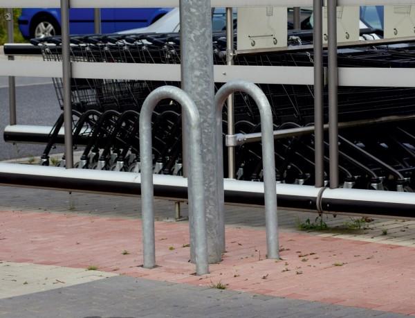 Universalbügel Absperrbügel zum Einbetonieren aus Stahlrohr Ø48 mm