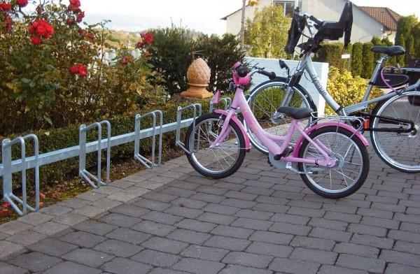 Fahrradständer - ein Reihenparker für 6 Fahrräder Wandbefestigung