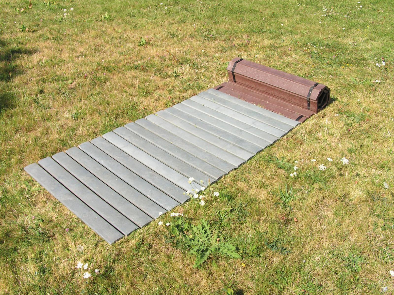 rollelement bretter aus recycling kunststoff f r gehweg amsdirekt. Black Bedroom Furniture Sets. Home Design Ideas