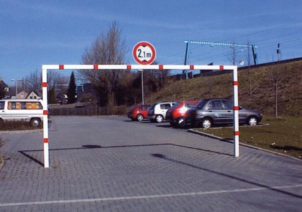 Höhenbegrenzer bis 2,3 m Durchfahrtshöhe Wegsperre 3 bis 6 m breit